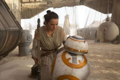 star-wars-tfa-hi-res-rey-meets-bb-8_zpsptoeqanr