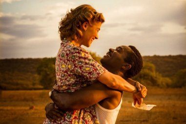 united-kingdom-a-2016-001-rosamund-pyke-david-oyelowo-hugging_zpsqpdju1ba