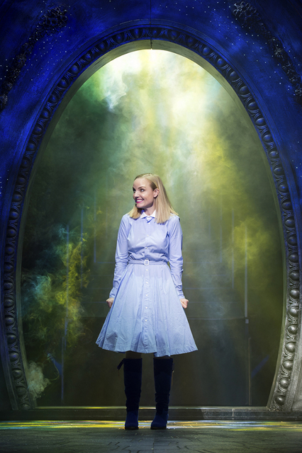 kerry-ellis-111227_zps08m2ct5b