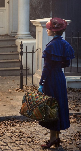 mary-poppins-returns1-700x1298_zps4zziquuu
