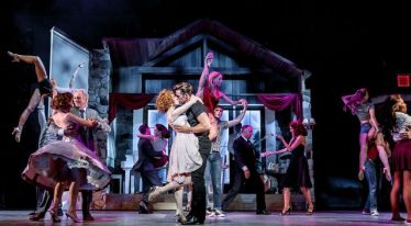 dirty-dancing-ostend-4-centre-katie-hartland-as-baby-lewis-griffiths-as-johnny-and-carlier-milner-as-penny-with-ensemble-c-d_zpsnnajrq1b