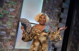 hairspray-uk-tour-2017-1682-small_zpsip2n1wjk