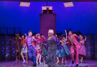 hairspray-uk-tour-2017-2519-small_zpsmb0jhcrs