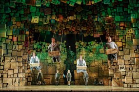 20-RSC-Matilda-The-Musical-UK-Ireland-Tour.-Photo-Manuel-Harlan.