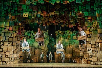 20-RSC-Matilda-The-Musical-UK-Ireland-Tour.-Photo-Manuel-Harlan.