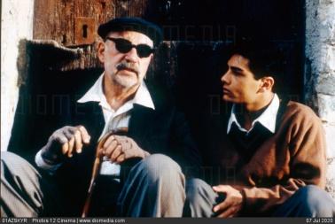 01AZSKYR Nuovo Cinema Paradiso DATE TAKEN: 1988